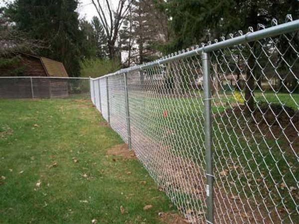 навесной забор по направляющим