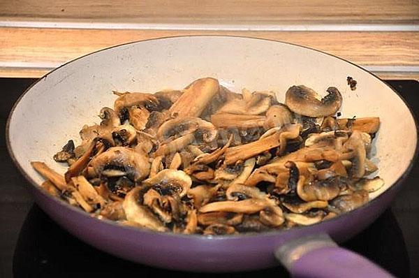 жарить грибы
