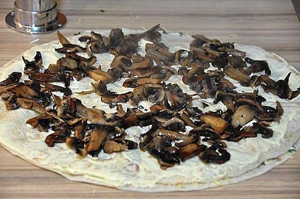 равномерно распределить грибы