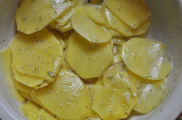 обмазать картофель