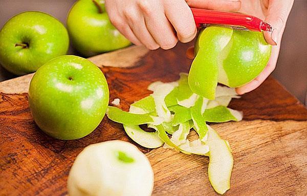 почистить яблоки