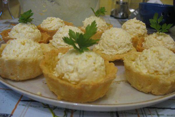 еврейская закуска в тарталетках