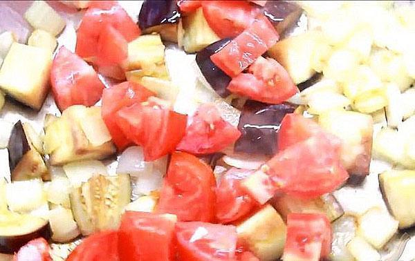 тушить с помидорами