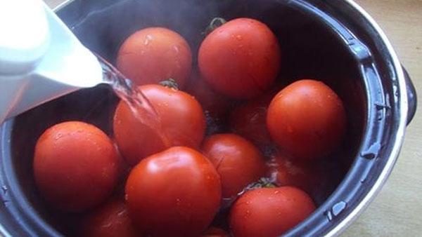 ошпарить помидоры кипятком