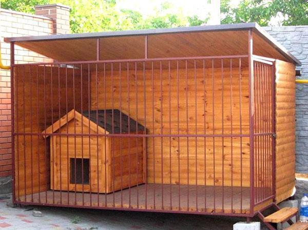 вольер для собаки на даче
