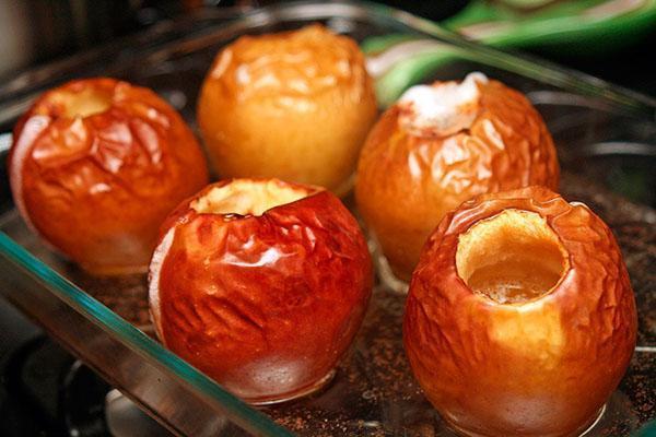 готовые к употреблению яблоки