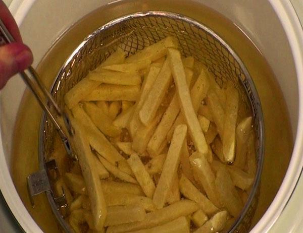 жарится картофель в мультиварке