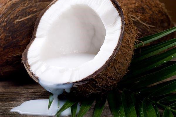 молоко из свежего кокоса