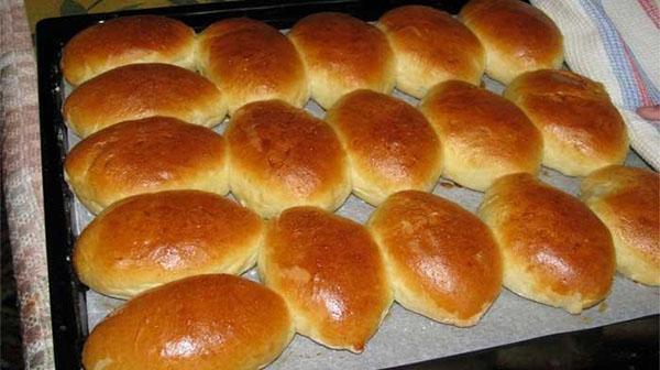печеные в духовке пирожки с картошкой