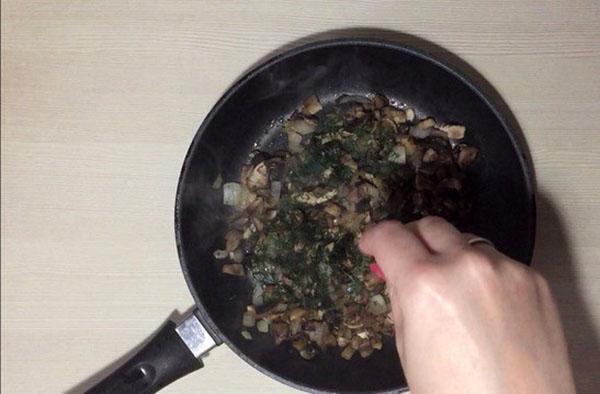 тушат грибы
