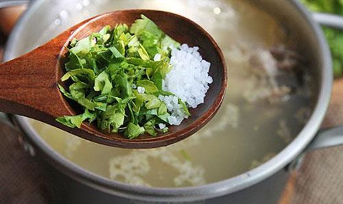 добавить зелень и соль