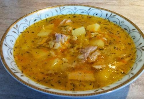 горячий вкусный суп