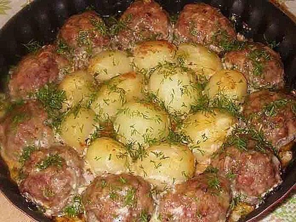 тефтели с картошкой насыщенного вкуса