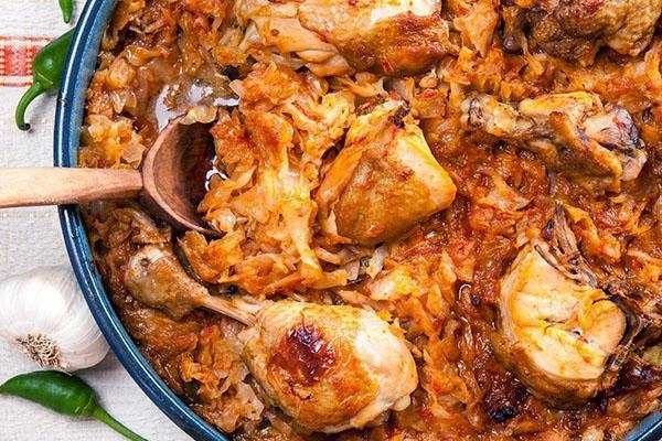 Тушеная капуста с картошкой - лучшие рецепты