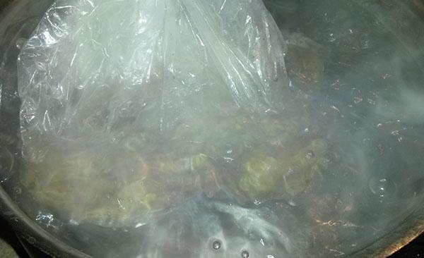 варить сало в пакете