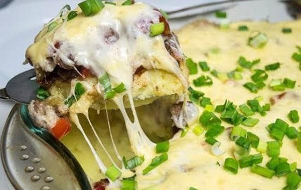 запеканка из картофеля и соуса Бешамель