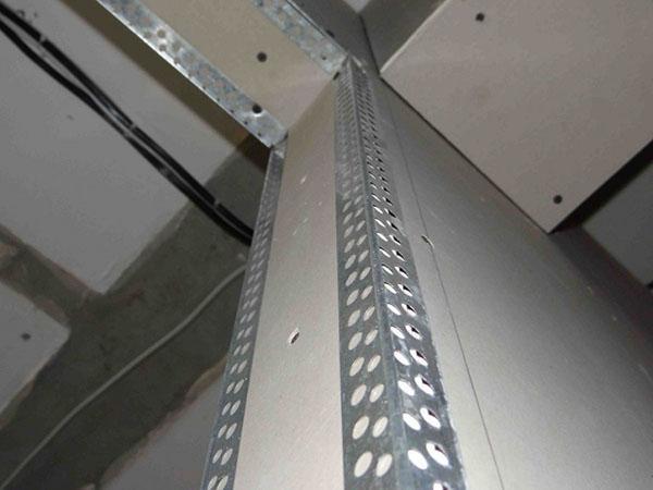 установка металлических уголков