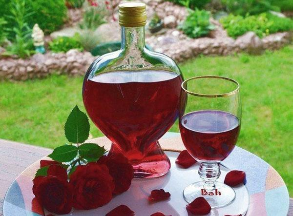 настойка из лепестков роз