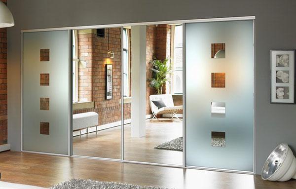 преимущества и недостатки стеклянных дверей