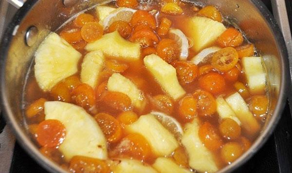 варить помидоры с ананасами и лимоном
