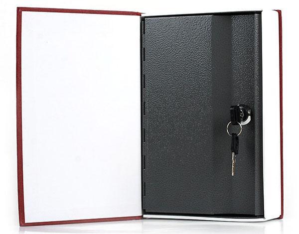 тайник внутри книги