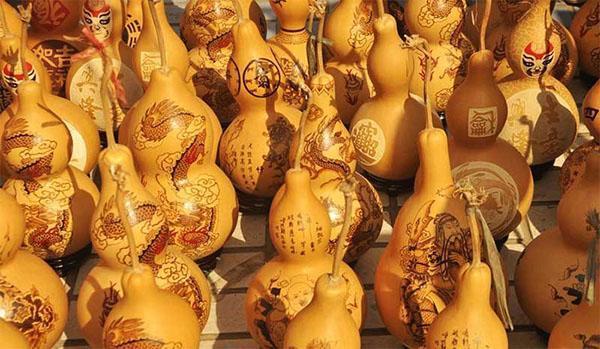 украшение декоративной тыквы