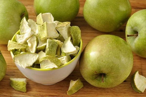 сушеные яблоки против анемии