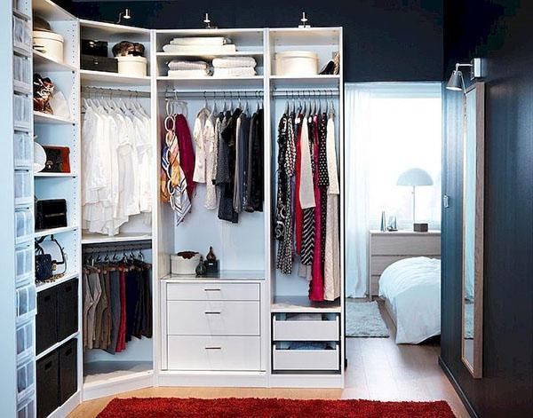 естественная вентиляция и освещение гардеробной