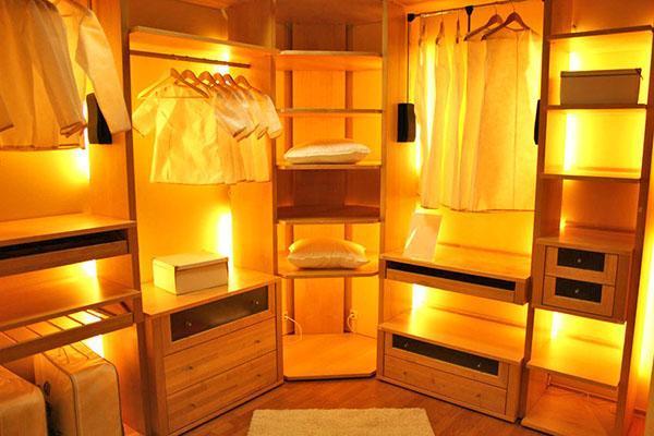 освещение внутри отделов хранения