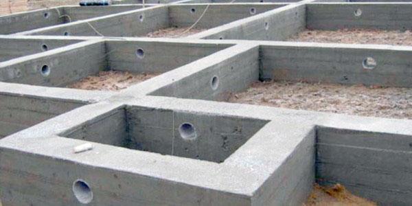 закладка продухов на этапе строительства