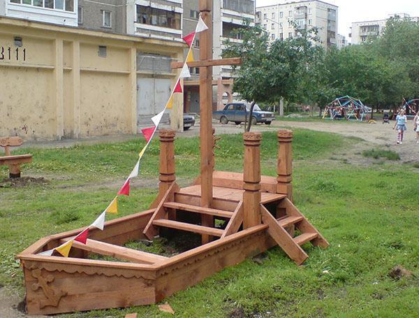 песочница кораблик