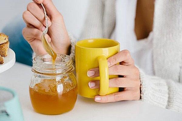 мед при болях в желудке