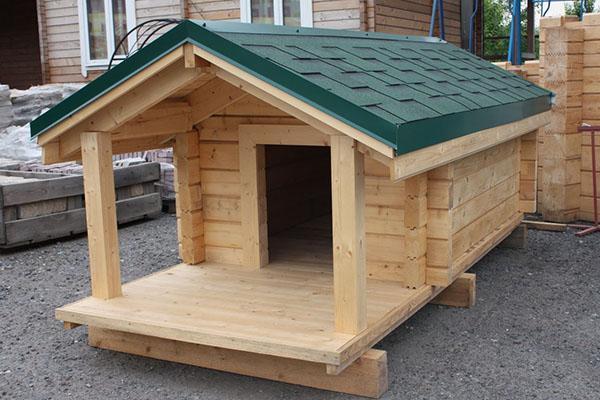 будка для собаки с навесом