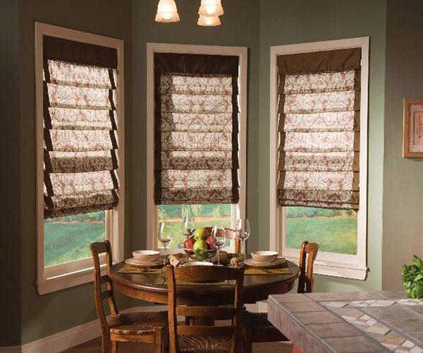 римские шторы на узких окнах