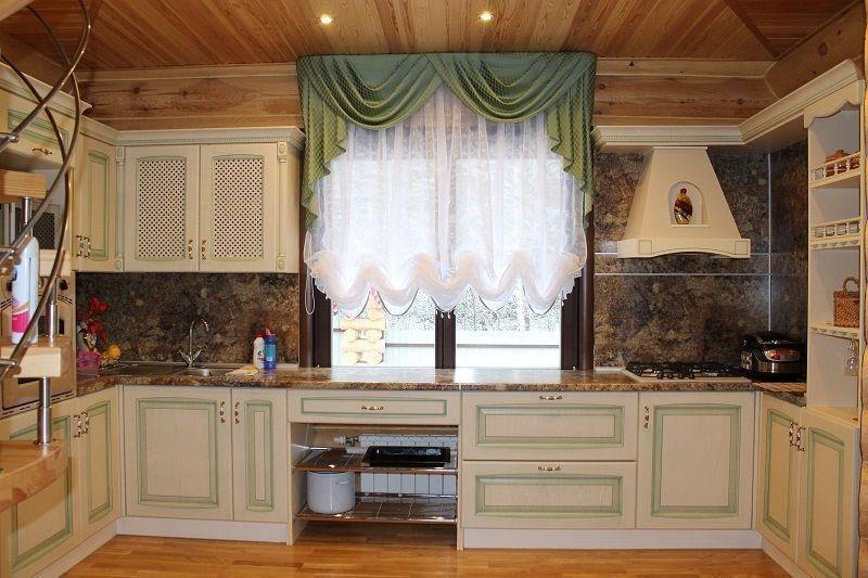 австрийская штора на кухню