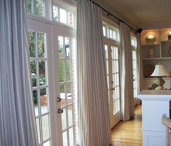светлые длинные шторы