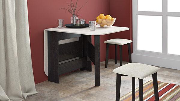компактный столик на маленькой кухни
