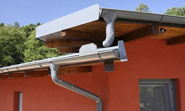 сбор воды с разноуровневых крыш