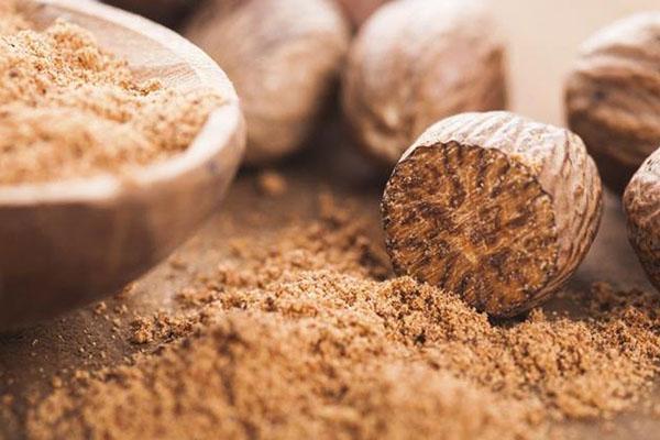 полезные свойства мускатного ореха и противопоказания