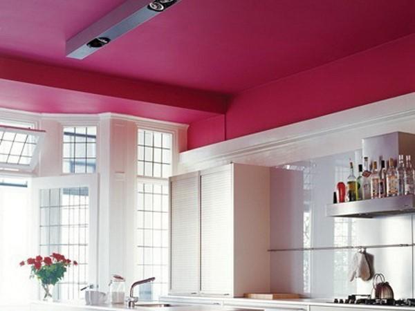 покрашенный потолок