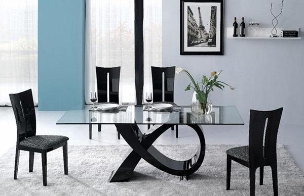стильный стол и удобные стулья