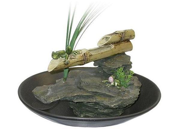 стильный миниатюрный фонтанчик