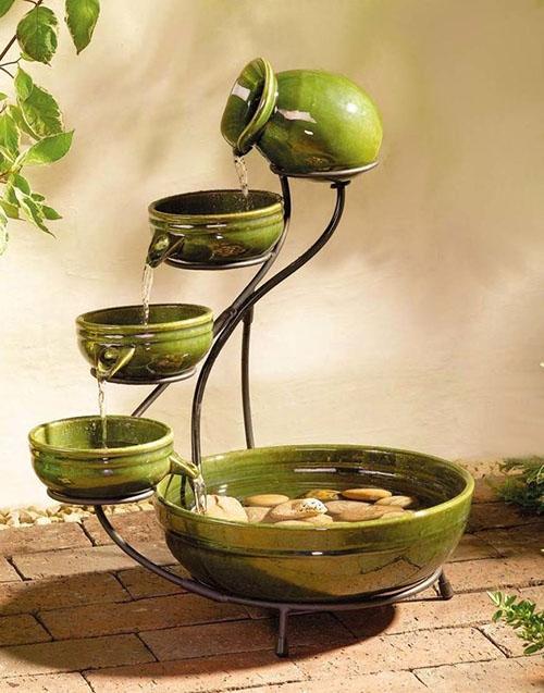 декоративный фонтан из нескольких чаш