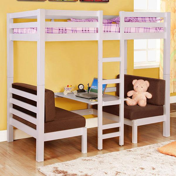 кровать и рабочая зона