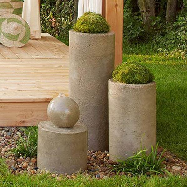 украшение участка фонтан из бетонного шара