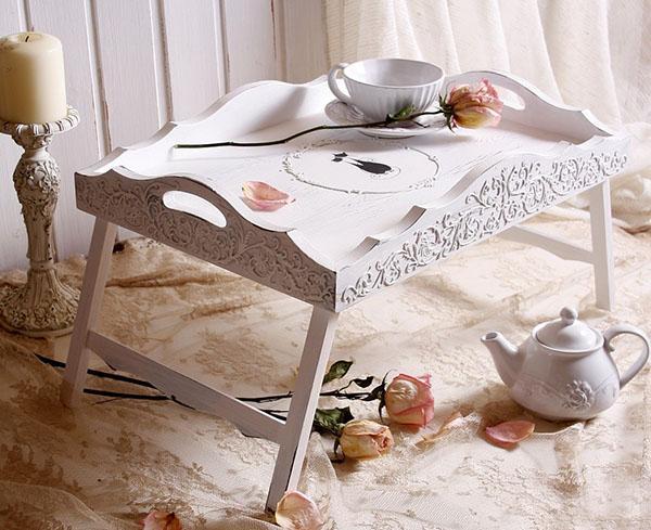оригинальный дизайн накроватного столика