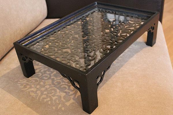 стеклянный кроватный столик
