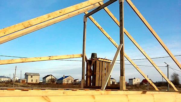 этап установки мансардной крыши