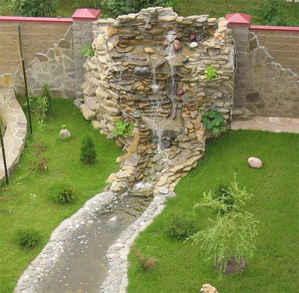водопад с ручьем