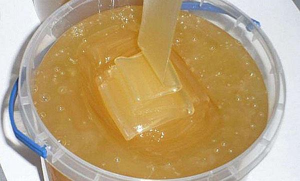 мед золотарника с легкой горчинкой